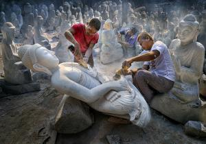 PhotoVivo Merit Award - Tsun Ip Patrick Chow (Hong Kong)Marble Sculptors