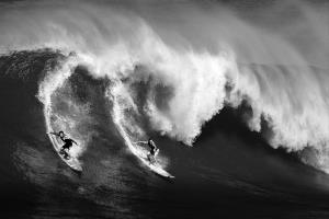 PhotoVivo Merit Award - Tracy Shuxi Feng (USA)Wave Warriors