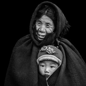 SPC Merit Award - Deying Huang (China)  Grandma And Grandson 1