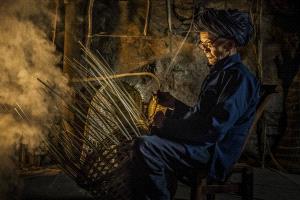 PhotoVivo Gold Medal - Yibing Mai (China)  Craftsman