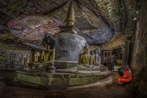 PhotoVivo Honor Mention e-certificate - Pandula Bandara (Sri Lanka)  Devoted Monk At Cave Temple