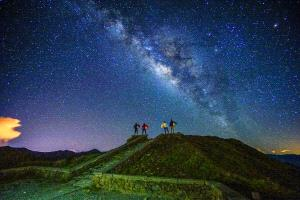 SPC Merit Award e-certificate - Chin-Fa Tzeng (Taiwan)  Fantastic Four_Galaxy On Hehuan Mt In Taiwan_4 People Photographed For 30 Seconds Still